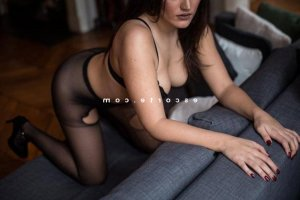 Sahana massage érotique escort girl