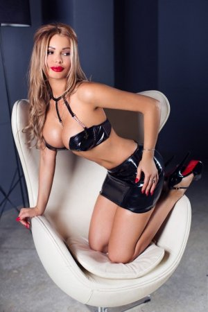 Sixtine massage érotique escort girl